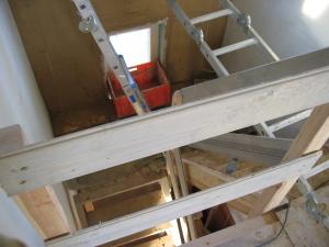 kleine treppe gel nder f r au en. Black Bedroom Furniture Sets. Home Design Ideas